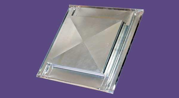 Telitetős horganyzott tetőkibúvó - 53 x 55 cm - natúr